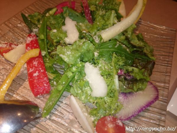 人形町イルバンボリーノ有機野菜をたっぷり使ったサラダ画像