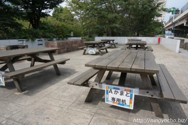 浜町公園バーベキュー専用机画像