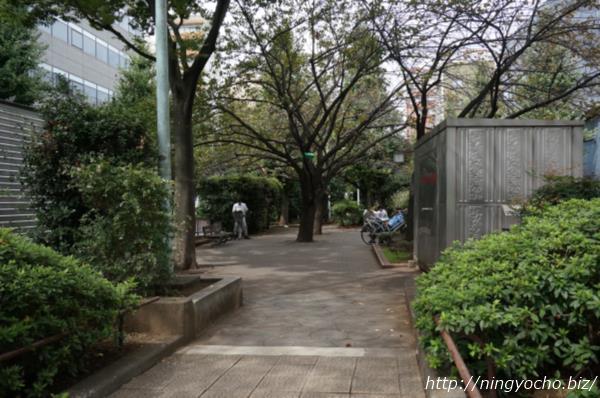 浜町緑道「ブラザーズ」側画像