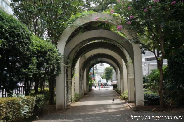 浜町緑道新大橋通り側画像