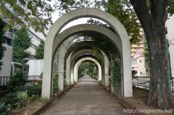「新参者」ロケ地「浜町緑道」画像