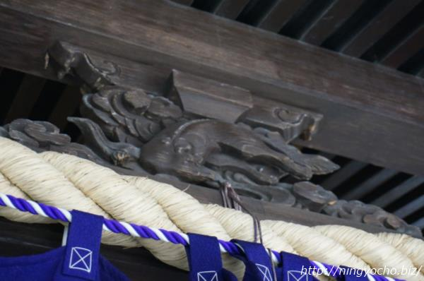 茶の木神社木彫りの狐さま画像
