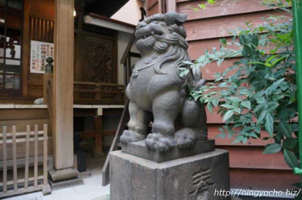 小網神社狛犬右画像