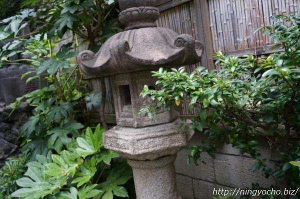 末広神社灯篭画像