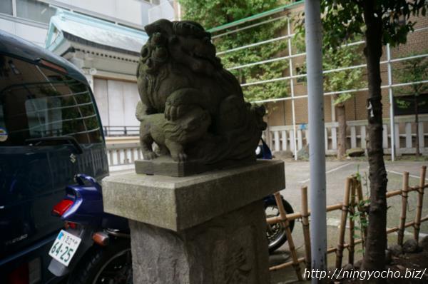 椙森神社狛犬左画像