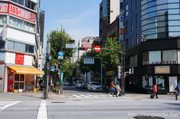 人形町「甘酒横丁」人形町通り側入り口画像