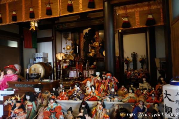 人形市大観音寺人形供養画像
